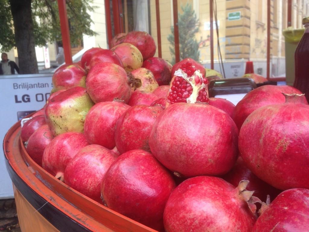 pomegranate_sarajevo_market
